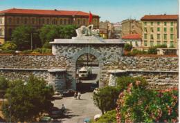 LIVORNO - PORTA SAN MARCO - ANIMATA - AUTO D'EPOCA CARS VOITURES : FIAT 850 COUPE' - FIAT 500 - CAMION - NON VIAGGIATA - Livorno