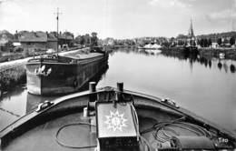 20-7537 : HARFLEUR. CANAL. PENICHE. VOIE NAVIGABLE - Harfleur