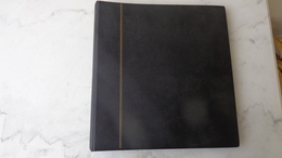 Album SAFE Couleur Noire Avec 17 Pages Pour Carnets Ou Fragments De Feuilles; Quelques Pages état Moyen . - Bindwerk Met Pagina's