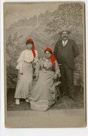 CHAMPERY Valais Cabinet Card Superbe Colorisé 1900 Id 1906  Photographe Studio EXHENRY XIX Decor Peint Montage SUISSE - Anonieme Personen