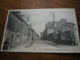 Rue De La Mer - Courseulles-sur-Mer