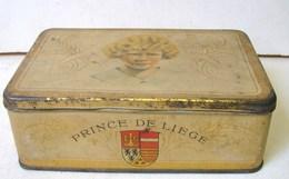 Boîte. 18. Boîte Rectangulaire à Bonbons En Fer Blanc. Prince De Liège - Scatole