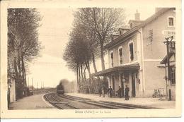 GARE AVEC TRAIN - DIOU (allier) - Gares - Avec Trains