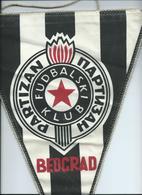 Bid Flag,fanion Football,FC Partizan Belgrade Serbi - Size26cm/37cm. - Kleding, Souvenirs & Andere