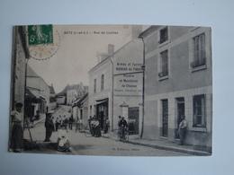 37 Betz- Rue De Loches, Belle Animation,armurerie,cyclistes - Autres Communes