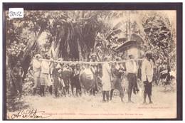 NOUVELLE CALEDONIE - PECHEURS PORTANT DES TORTUES - B ( FORT PLI D'ANGLE ) - Nouvelle Calédonie