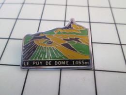 416c Pin's Pins / Beau Et Rare / THEME : AUTRES / AUVERGNE VOLCAN LE PUY DE DOME - Marche