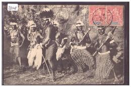 NOUVELLE CALEDONIE - GROUPE DE CANAQUES - B ( MINI PLI D'ANGLE ) - Nouvelle Calédonie