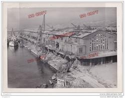 Au Plus Rapide Port De Marseille Môle G Hangar 14 En 1944 Après Bombardement - Guerre, Militaire