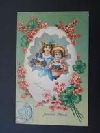 Enfants Avec Violettes Et Oeufs Dans Gros Oeuf Cassé, Fleurs Roses - Gaufrée - Série 327 - Children