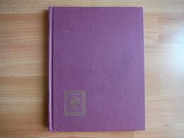 Classeur Timbres Ancien - Petit Format, Fond Noir