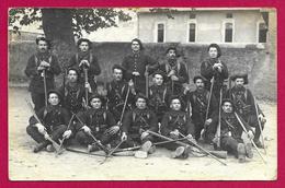 Carte Photo Militaria - Studio Non Indiqué - Groupe De Chasseurs Alpins En Armes - Regimente