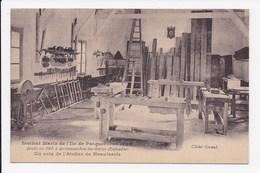 CP 80 PORQUEROLLES Institut Marin De L'Ile Un Coin De L'atelier De Menuiserie - Porquerolles