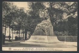 +++ CPA - BRUSSEL - BRUXELLES - ST JOSSE TEN NOODE - Monument Des Combattants - Avenue De L'Astronomie  // - St-Joost-ten-Node - St-Josse-ten-Noode