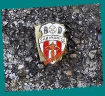 Insigne Boutonnière, Club De A.D SABINANIGO, Football, Agrupacion Desportiva De Sabinanigo, 2 Scans - Habillement, Souvenirs & Autres