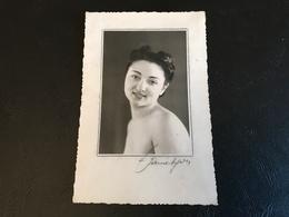 PHOTO Femme épaules Nues (signée) - Beauté Féminine (1921-1940)