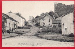 Environ De Langres - CHARMES - Une Rue - Langres