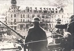 Dinant Mai 40 Flak Allemande Hotel De La Poste Repro - Vehículos