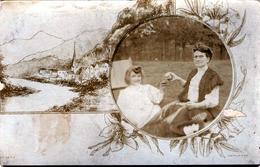 Carte Photo Montage Mère Et Fille Triquant à La Bonne Année à Paris, Le 31.12.1908 - Société J. Jougla à Paris - Personas Anónimos