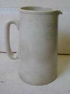 Lot. 1322. Pot à Eau Ou Lait G. R. Nelson Ware 1943 - Staffordshire