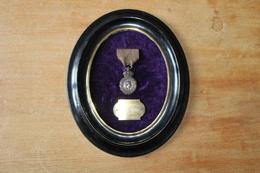 Médaille De Sainte Helene Attribuée   Napoleon Empire - Medals