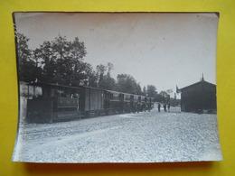 Photo T I V , Tramway En Gare ,  à Identifier, Photo Guittet - Trains