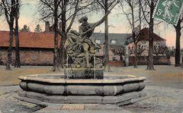Luxeuil Les Bains (70) - Fontaine Neptune - Place Du Collège - Luxeuil Les Bains