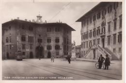 PISA - PIAZZA DEI CAVALIERI CON LA TORRE DELLA FAME - ANIMATA - TRAM - NON VIAGGIATA - MINI CARD - Pisa