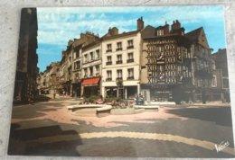 41 Blois Rue Du Commerce Et Des 3 Cles Magasins Jouets La Nouvelle Republique Maisons Colombages Place - Blois
