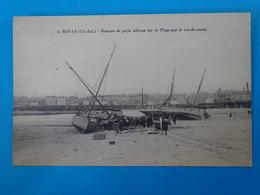 17) Royan - N° 2 - Raz De Marée Du 9 Janvier 1924 - Bateaux De Péche échoué Sur La Plage - EDIT - Nozais - Royan