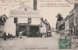 76 Caudebec En Caux. Modern Garage. Place De L'Orme - Caudebec-en-Caux