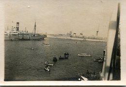 Photo Du Port De Marseille Avec Le Paquebot MEDIE II A Quai En 1939 - Bateaux