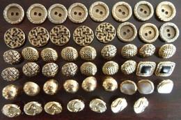 Lot De 50 Boutons Dorés Entre 1,5 Et 1,7 Cm - Botones