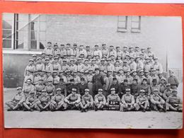 CP.Photo Militaria. La 22 ème Section D'infanterie. (D1.055) - Régiments