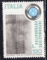 ITALIA REPUBBLICA ITALY REPUBLIC 1978 INFORMAZIONE FOTOGRAFICA PHOTO INFORMATION LIRE 120 MNH - 1971-80: Mint/hinged