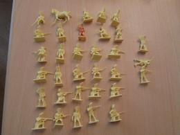 BACPLASTCAV / Lot De Figurines 1/72e Plastique Souple AIRFIX , ANGLAIS 1776 33 Pièces Exactement Ce Qu'il Y A En Photo - Army
