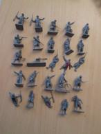 BACPLASTCAV / Lot De Figurines 1/72e Plastique Souple AIRFIX , FRANCAIS 14-18 25 Pièces Exactement Ce Qu'il Y A En Photo - Militares