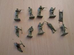 BACPLASTCAV Lot De Figurines 1/72e Plastique Souple AIRFIX , ANGLAIS 14/18 9 Pièces Exactement Ce Qu'il Y A En Photo - Militares