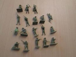BACPLASTCAV Lot De Figurines 1/72e Plastique Souple AIRFIX , AMERICAINS 14/18 18 Pièces Exactement Ce Qu'il Y A En Photo - Militares
