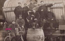 PHOTO :Narbonne : Wagon Transportant Un Foudre. Photo D'une Ancienne Carte Postale, 2 Scans - Lugares