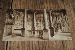 13053           KASTEEL VAN GAESBEEK BIJ BRUSSEL  BRUXELLES,  ZAAL VAN HET ARCHIEF - Lennik