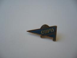PIN'S PINS CLUB SPORTIF CSFD FONTAINE LES DIJON 21 COTE D'OR BOURGOGNE - Pin's & Anstecknadeln