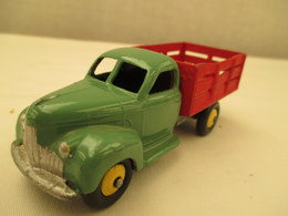 Camion   Miniature 1/43 Em -  DINKY  TOYS -  ??  - Peinture  D'origine  Vert Et Rouge - Toy Memorabilia