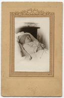 Post-Mortem D'un Enfant.  Tirage Original D'époque. C 1900  FG0250 - Personnes Anonymes