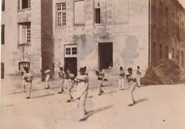 Photo 1895 CLAIRVAUX - Maison Centrale, Exercices à L'épée, Escrime (A221) - Autres Communes