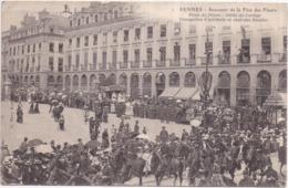 RENNES - Souvenir De La Fête Des Fleurs - Place Du Palais - Défilé Cortège - Trompettes D'Artillerie, Char Des Druides - Rennes