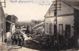 CARTE PHOTO ALLEMANDE LORRY MARDIGNY ENTERREMENT D'UN SOLDAT DU LIR 30 (Rue De Lorraine ?) CONVOI FUNEBRE - Autres Communes