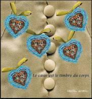 "FR Bloc YT 33 BF  "" Saint Valentin, Coeurs De Christian Lacroix "" 2001 Neuf** - Mint/Hinged"