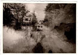 Insolite Photo Originale & Jeu De Superposition Digne D'un Tableau Impressionniste Vers 1960 - Persone Anonimi