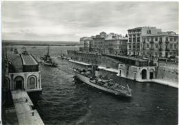 TARANTO  Corvetta Gru Al Passaggio Del Canale Navigabile  Ponte Girevole  Nave Militare - Taranto